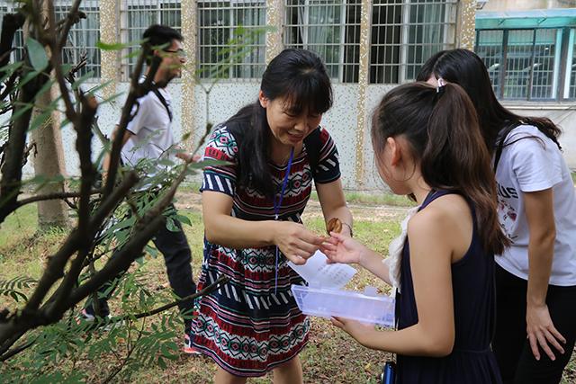 杜英志老师母女一起参与自然教育课